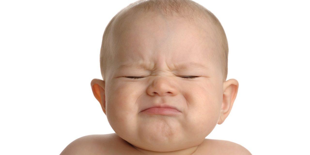 Bayi saya sembelit. Apa perlu saya buat?